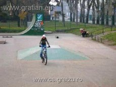 2005.11.13 sk8 park hanna010