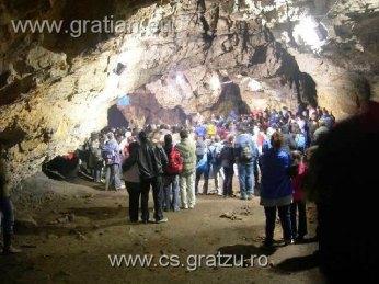 2006.10.22 concert in romanesti cave-006